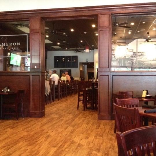 รูปภาพถ่ายที่ Cameron Bar & Grill โดย David W. เมื่อ 9/8/2012