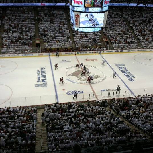 Photo prise au Gila River Arena par Kathryn D. le4/13/2012