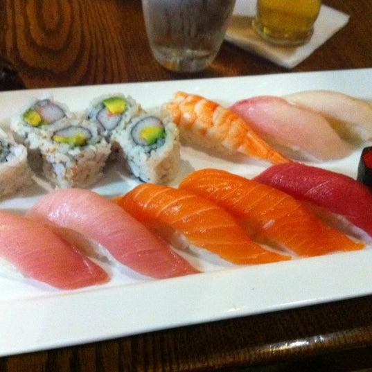 Foto tirada no(a) Natsumi por Maria R. em 9/2/2012