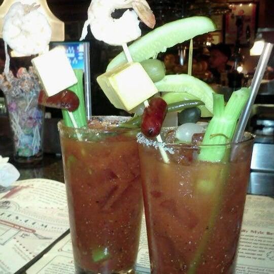 8/12/2012에 Carrie F.님이 Ike's Food & Cocktails에서 찍은 사진