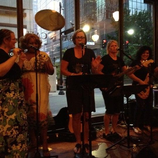 Foto tomada en 12 Baltimore por Jenny K. el 7/10/2012