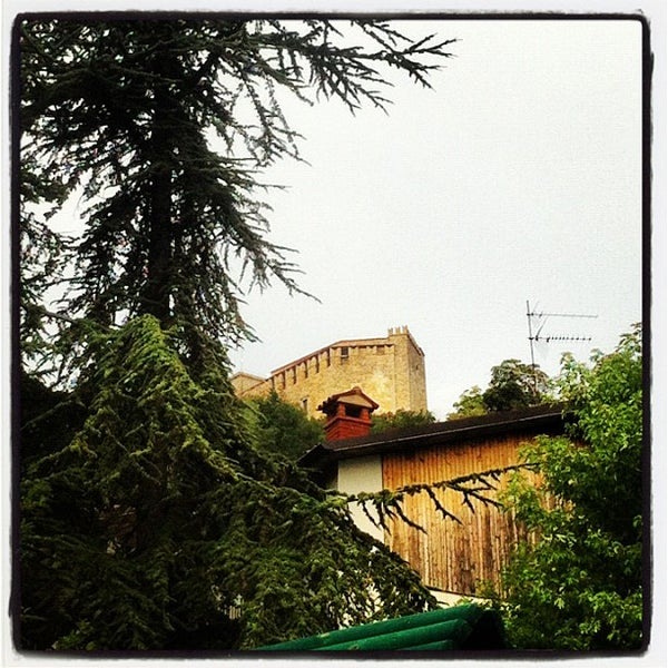 Das Foto wurde bei Castello di Zavattarello von Paolo G. am 8/6/2012 aufgenommen