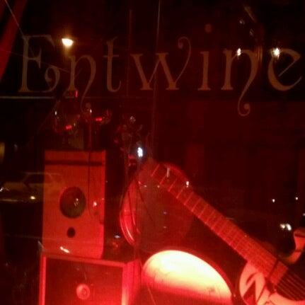 Foto tomada en Entwine por Jeffrey F. el 7/20/2012