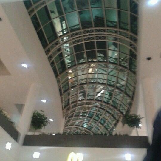 Foto tirada no(a) Shopping Crystal por Paty S. em 6/21/2012