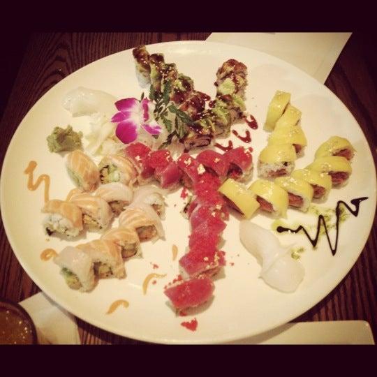Das Foto wurde bei Natsumi von Cathy C. am 5/14/2012 aufgenommen