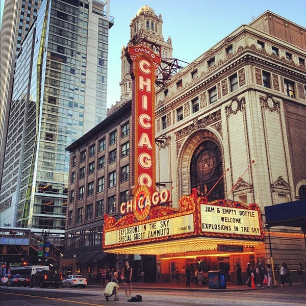6/27/2012에 Jeremy J.님이 The Chicago Theatre에서 찍은 사진