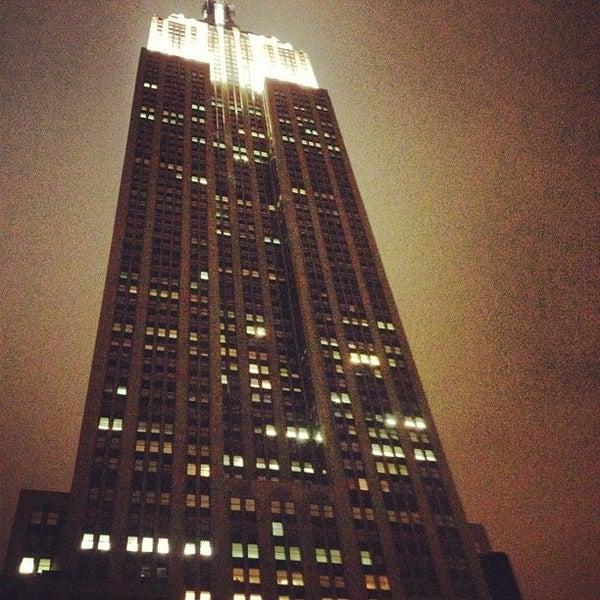 Foto diambil di VU Bar NYC oleh Fred H. pada 3/9/2012