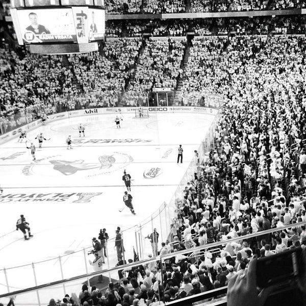 4/15/2012 tarihinde Matt K.ziyaretçi tarafından Gila River Arena'de çekilen fotoğraf