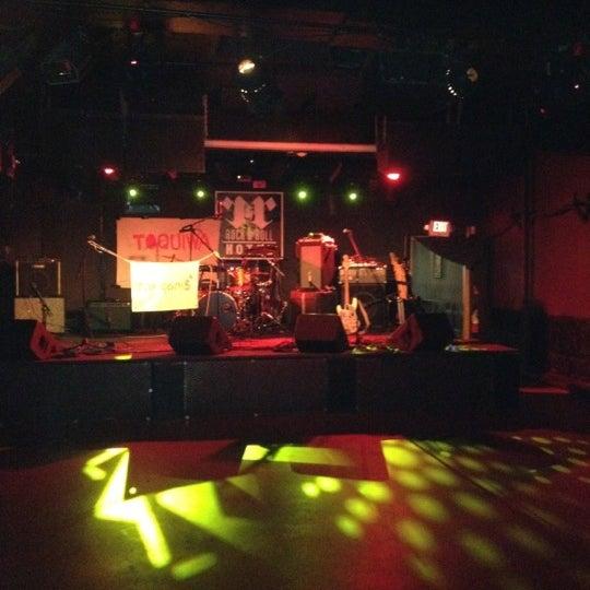 Foto tomada en Rock & Roll Hotel por Megan S. el 3/20/2012