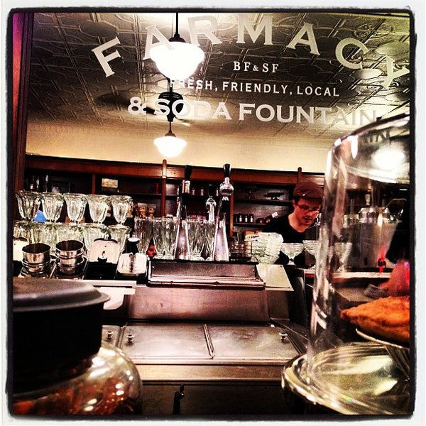 Foto scattata a Brooklyn Farmacy & Soda Fountain da Tina D. il 7/1/2012