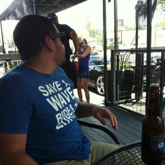 6/24/2012 tarihinde Saul G.ziyaretçi tarafından Royal Oak Bar and Grill'de çekilen fotoğraf