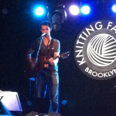Foto tomada en Knitting Factory  por tiffany o. el 8/27/2012