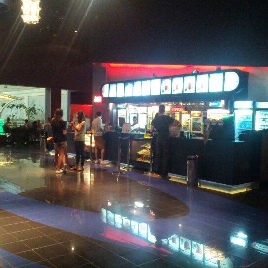 Foto tomada en Spectrum Cineplex por Umut O. el 8/17/2012