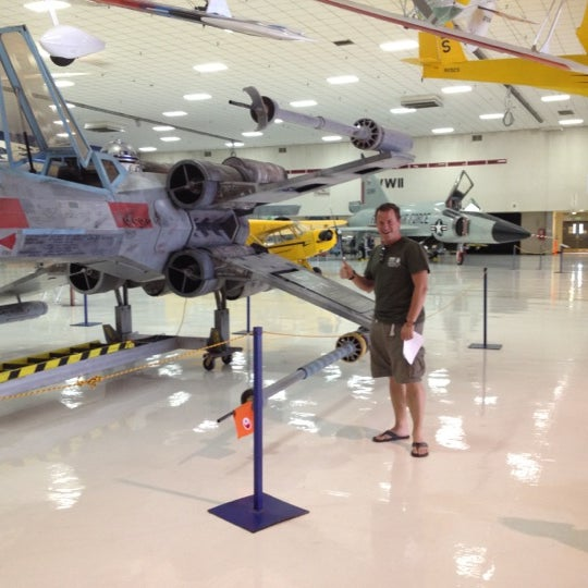 8/5/2012にJean M.がWings Over the Rockies Air & Space Museumで撮った写真