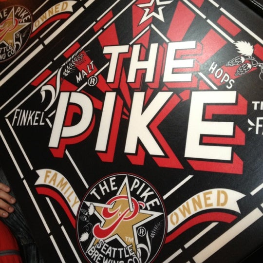 Photo prise au Pike Brewing Company par Karah G. le3/13/2012