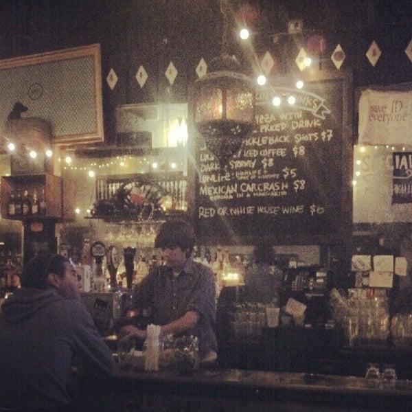 Photo prise au Lulu's par Calvin W. le5/20/2012
