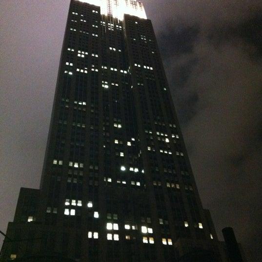 Foto diambil di VU Bar NYC oleh John V. pada 5/23/2012