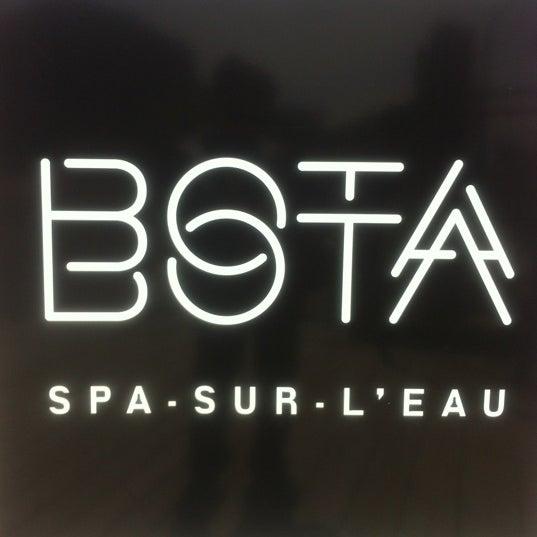 Снимок сделан в Bota Bota, spa-sur-l'eau пользователем Eric B. 5/13/2012