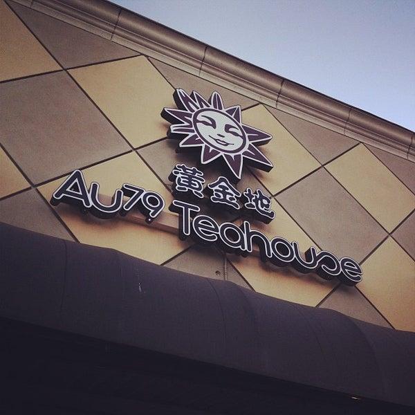 Foto scattata a AU 79 Tea House da Victor H. il 6/29/2012