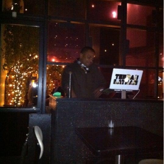 Das Foto wurde bei STK LA von Kara am 2/12/2012 aufgenommen