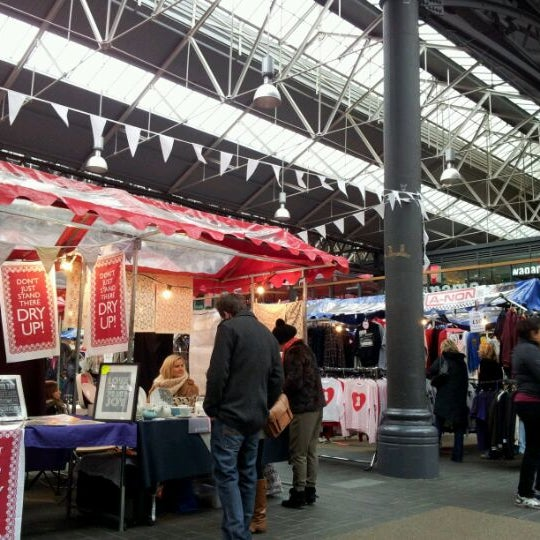 Foto tomada en Old Spitalfields Market por Tanu T. el 2/18/2012