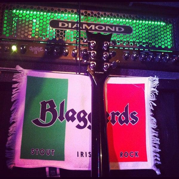 Foto scattata a Obannon's Tap House da Blaggards il 9/8/2012