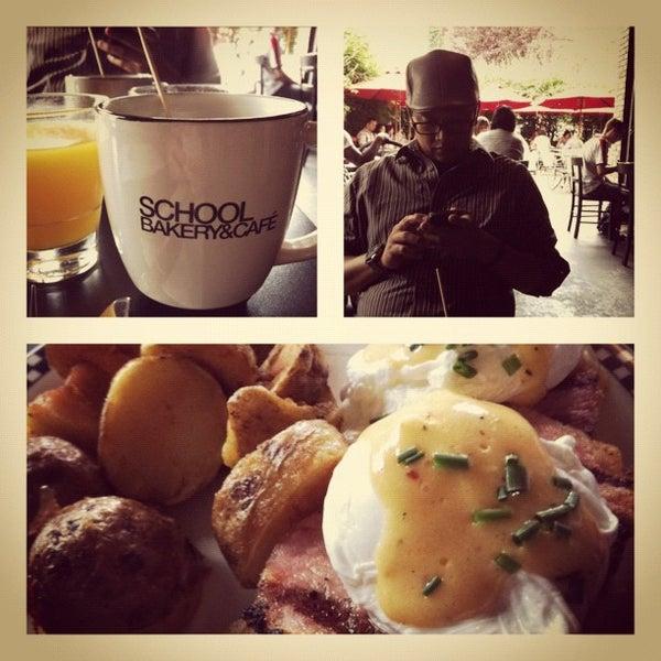 7/15/2012 tarihinde Margaux L.ziyaretçi tarafından SCHOOL Restaurant'de çekilen fotoğraf