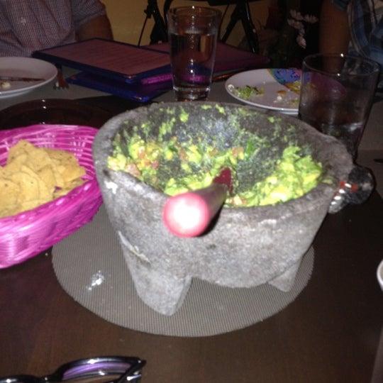 Foto tirada no(a) Rosa Mexicano Panamá por Gabriella R. em 2/2/2012