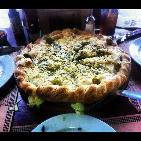 Foto tomada en Central de Pizzas por Asahi R. el 4/6/2012