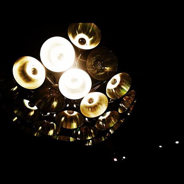Das Foto wurde bei The People's Cafe von dita am 2/4/2012 aufgenommen