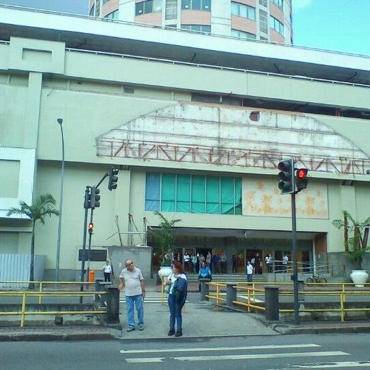 5/3/2012 tarihinde Rogério M.ziyaretçi tarafından Shopping Tijuca'de çekilen fotoğraf