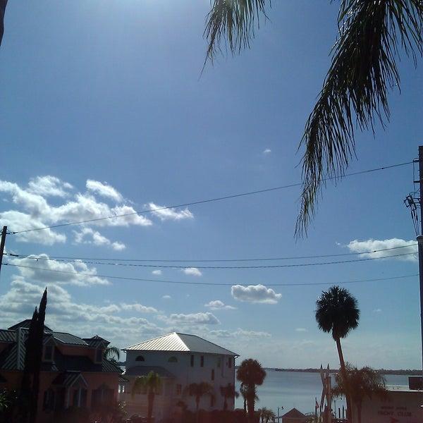 Foto tomada en Pisces Rising por Melanie M. el 3/13/2012