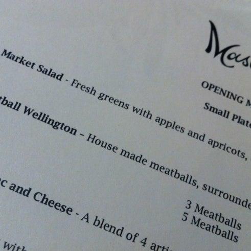 Foto tomada en Maslow 6 Wine Bar and Shop por Vince A. el 5/18/2012