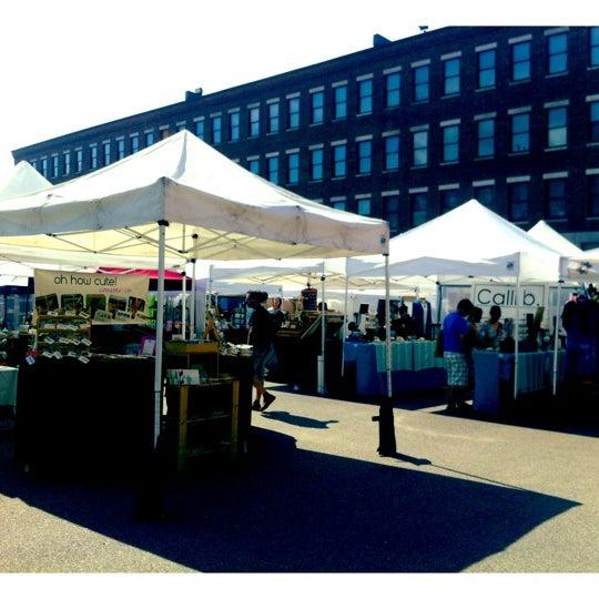 Foto tirada no(a) South End Open Market @ Ink Block por Mike R. em 8/19/2012