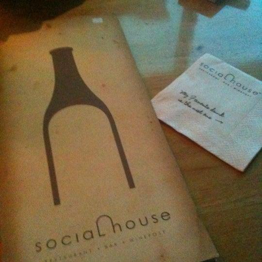 Das Foto wurde bei SOCIAL HOUSE von Irvan e. am 5/4/2012 aufgenommen