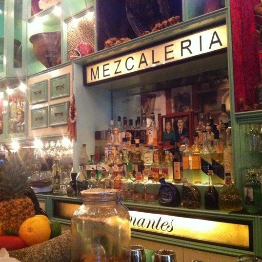 Foto tomada en Casa Mezcal por Roy R. el 5/5/2012