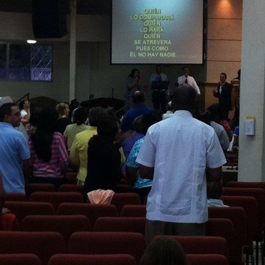 Foto tomada en Casa de Oración Cristiana por Emilio W. el 6/10/2012