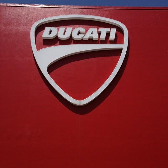 6/21/2012 tarihinde Alessio F.ziyaretçi tarafından Ducati Motor Factory & Museum'de çekilen fotoğraf