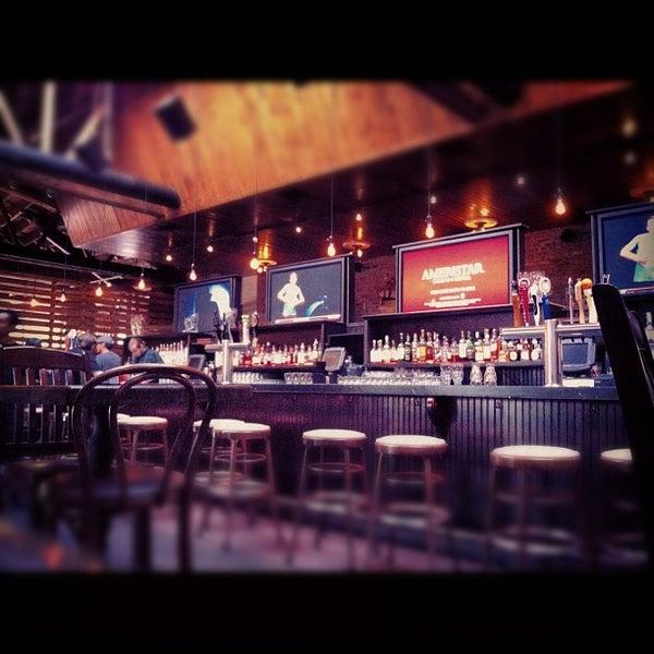 Das Foto wurde bei Old Town Social von Daniel M. am 9/3/2012 aufgenommen