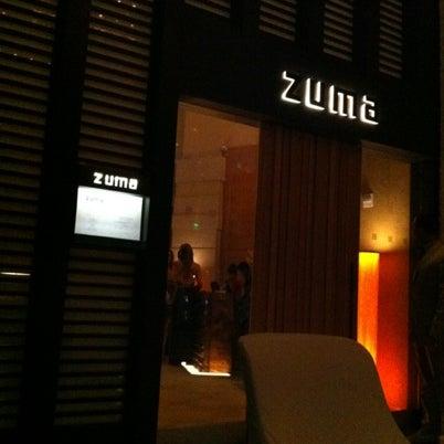 รูปภาพถ่ายที่ Zuma โดย Jenny L. เมื่อ 8/9/2012