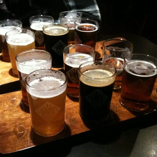 Photo prise au Pike Brewing Company par Kent B. le2/18/2012