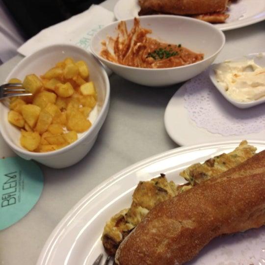 4/23/2012 tarihinde Maite P.ziyaretçi tarafından Betlem Miscelánea Gastronómica'de çekilen fotoğraf
