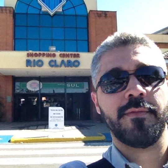 Foto diambil di Shopping Rio Claro oleh Alessandro D. pada 8/2/2012