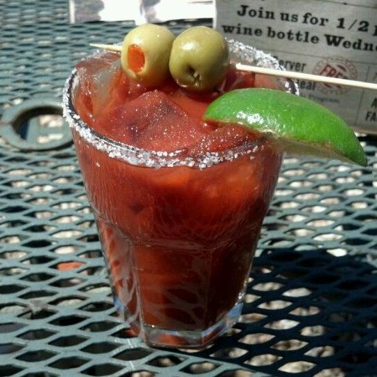 Photo prise au Park Tavern par Jose M. le4/22/2012