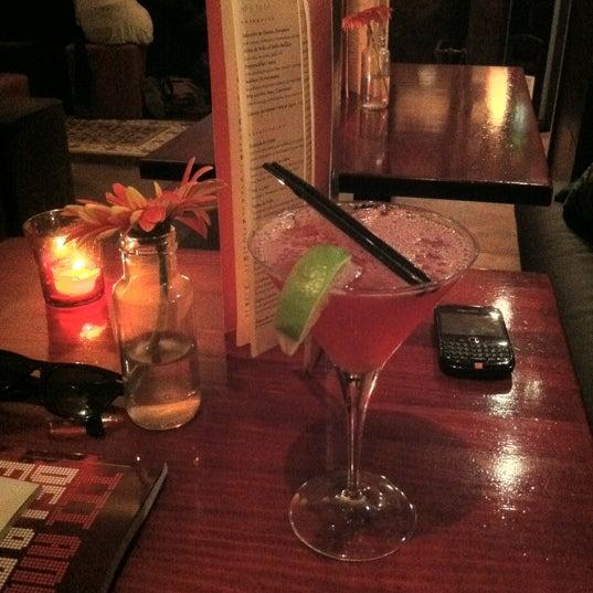 Foto scattata a Milk Bar & Bistro da Nacho C. il 3/19/2012