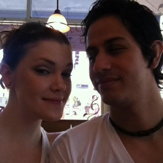 Das Foto wurde bei Beverly's La Croisette von Tina J. am 5/5/2012 aufgenommen