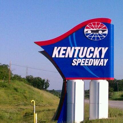 5/18/2012にfeather in the wind E.がKentucky Speedwayで撮った写真