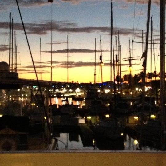 Снимок сделан в Parkers' Lighthouse пользователем Jeff F. 8/29/2012