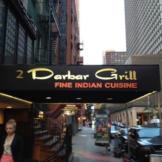 Photo prise au 2 Darbar Grill Fine Indian Cuisine par Lee H. le6/19/2012