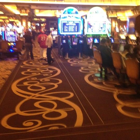 รูปภาพถ่ายที่ Horseshoe Hammond Casino โดย Rolando W. เมื่อ 5/16/2012